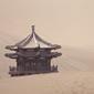 敦煌-鳴沙山と楼閣